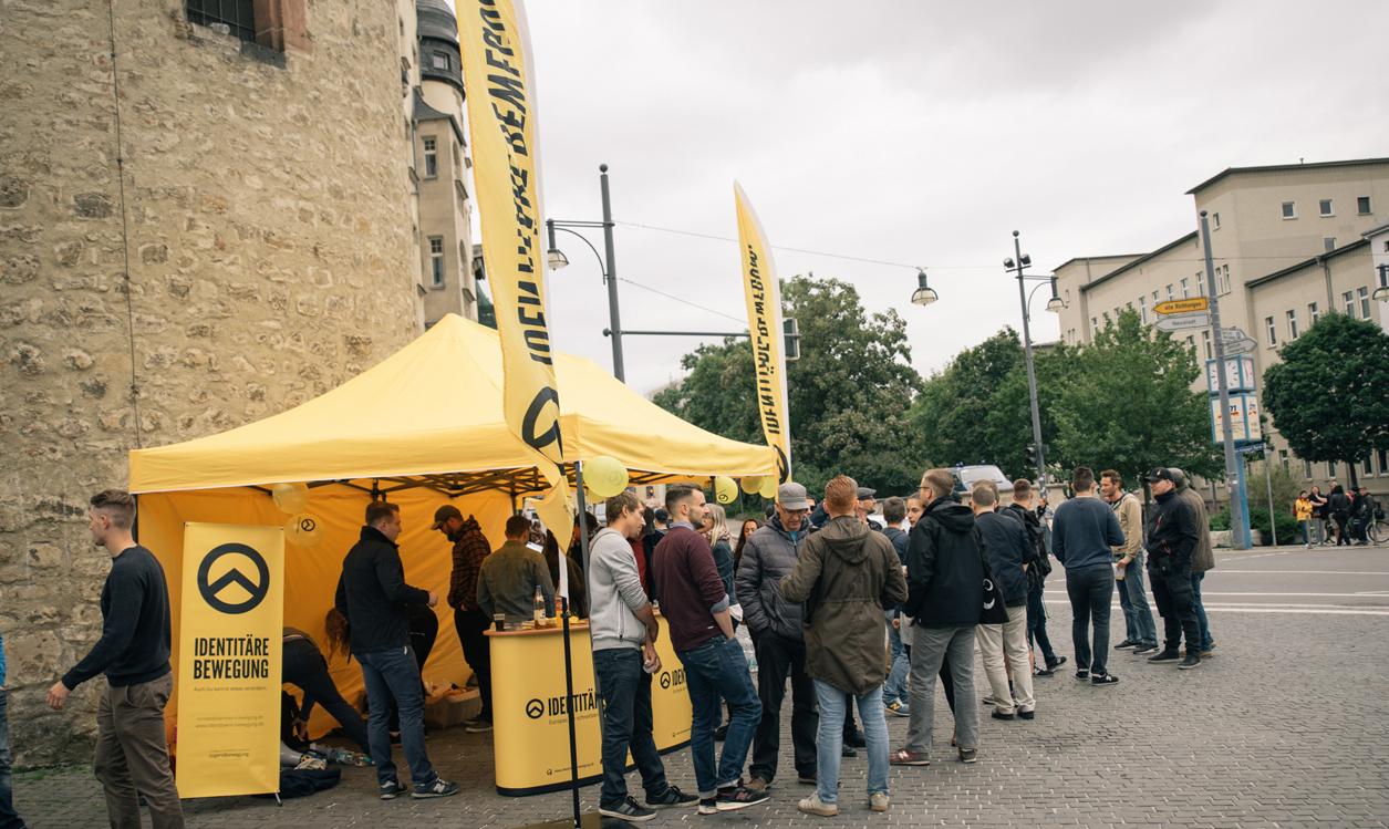 """Präsenz im öffentlichen Raum - """"IB Zone"""" in Halle"""